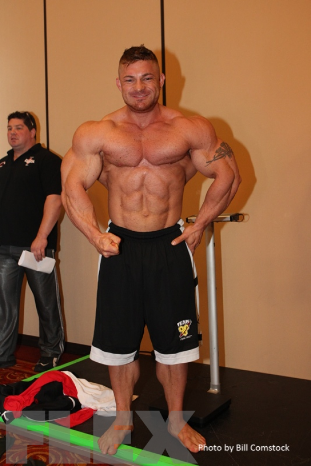 mr olympia 212 weigh in44