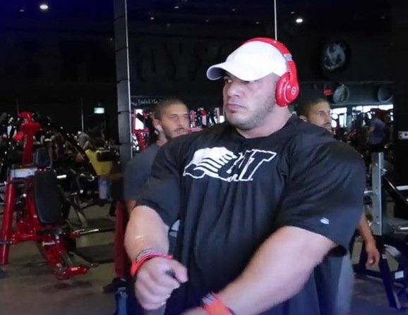 WATCH: Big Ramy trains chest before the 2015 Mr.Olympia