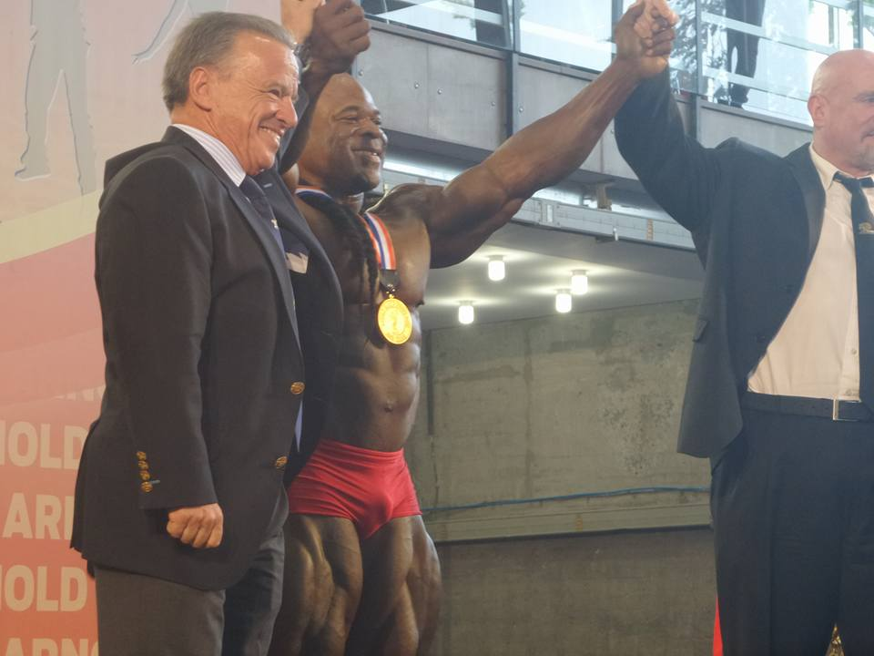 Photos of Kai Greene's guest posing routine at the 2015 Arnold Classic Europe
