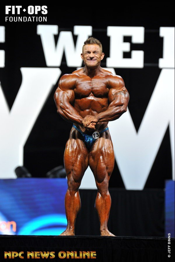Flex Lewis - 2017 Mr Olympia - 212
