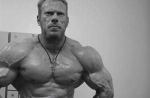 Dennis Wolf reveals physique