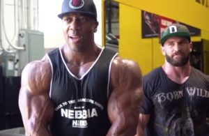 Shawn Rhoden trains shoulders