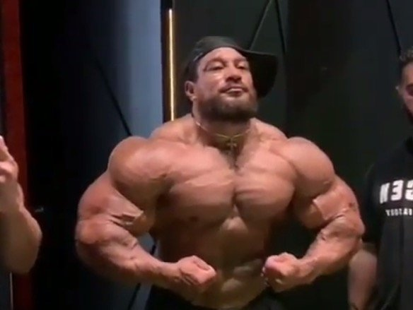 WATCH: Roelly Winklaar looking freaky in latest published video