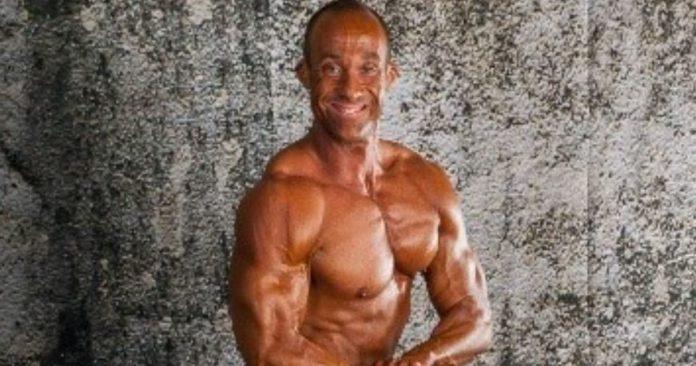 IFBB Physique America - Jim Hurtubise