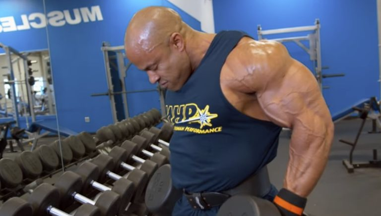 WATCH: Blast shoulders with Victor Martinez