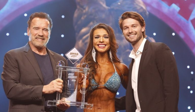 2020 Arnold Classic USA: Pecini Wins First Bikini International Crown