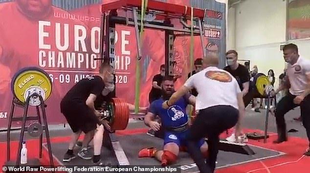 Powerlifter Alexander Sedykh squat