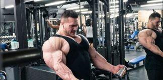 Nick Walker blasts biceps