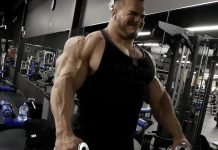 Nick Walker trains shoulders